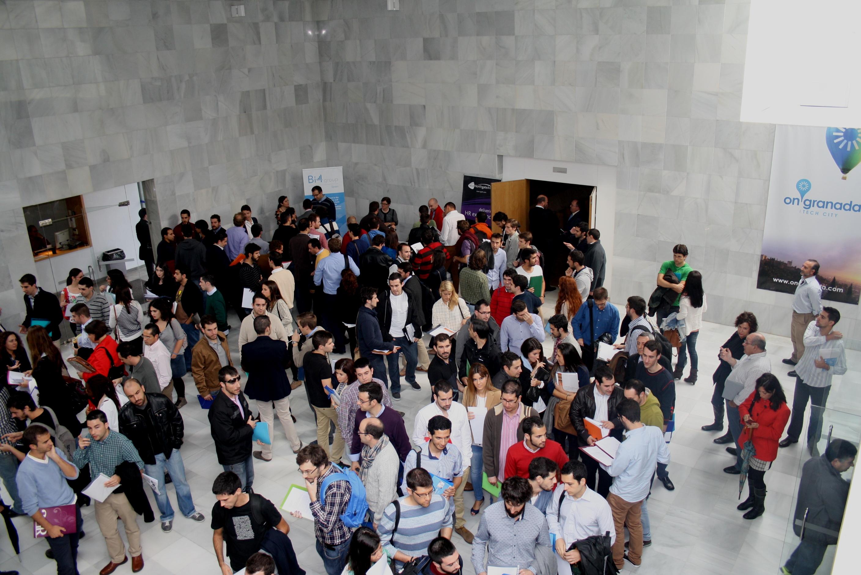 Más de 200 ingenieros TIC entregan sus credenciales para optar a uno de los 103 empleos generados por las empresas de OnGranada