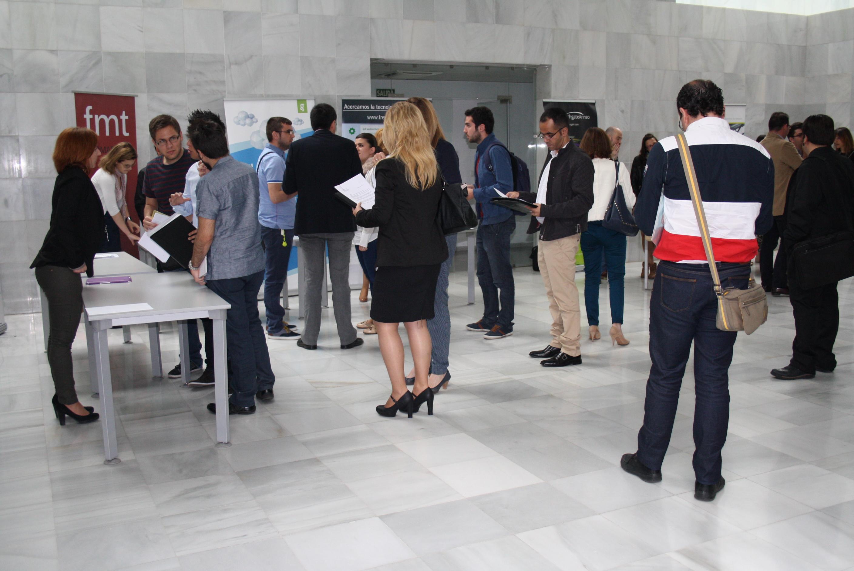 Unos 150 jóvenes ingenieros TIC optan a los 269 empleos ofertados por empresas de OnGranada