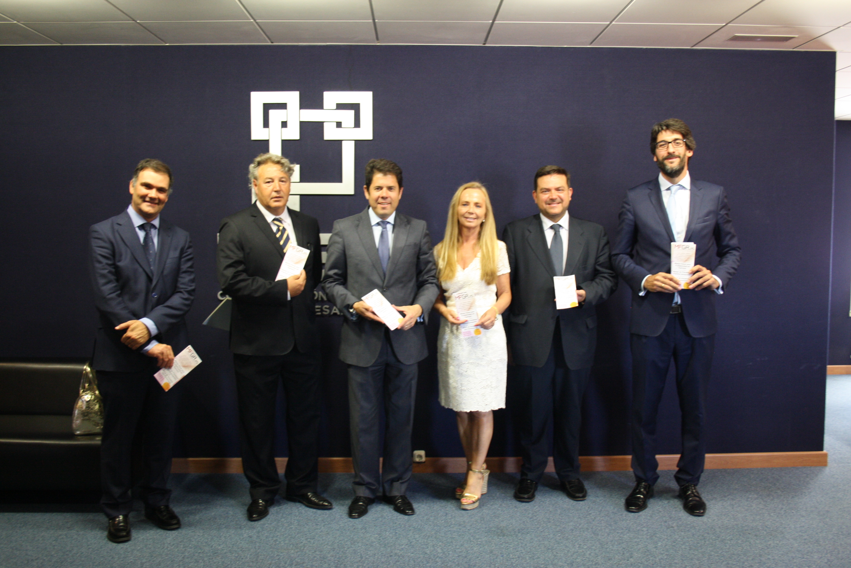 La CGE y Máster Fiscal Granada firman un convenio de colaboración para mejorar la capacitación de los profesionales fiscales